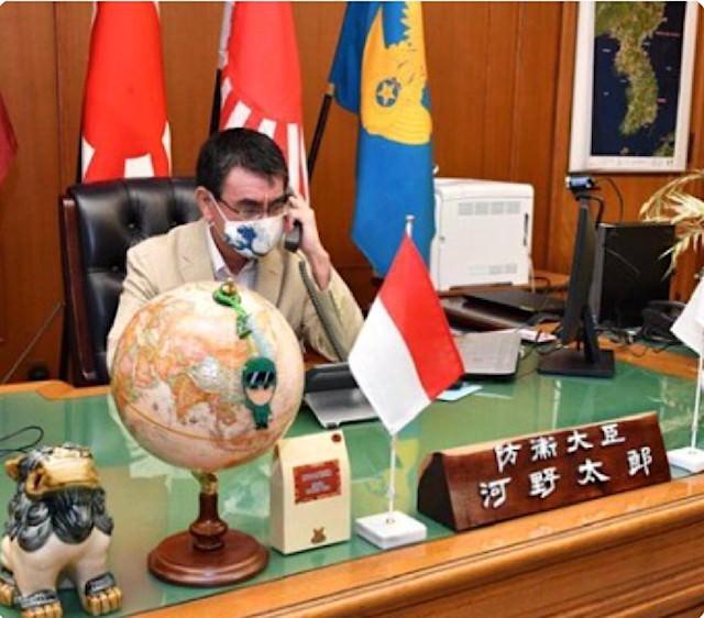 河野太郎(防衛大臣)の執務室に飾られている朝鮮半島の写真