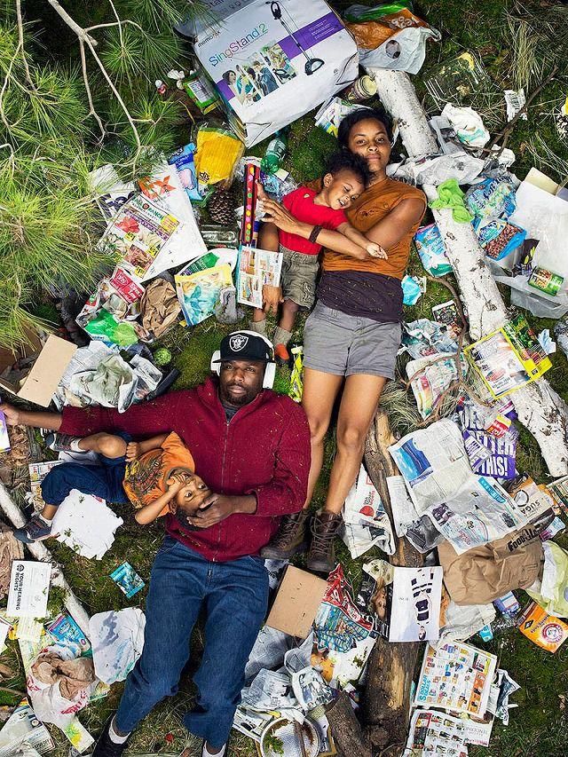 黒人の4人家族が1週間で出したゴミの量・内訳