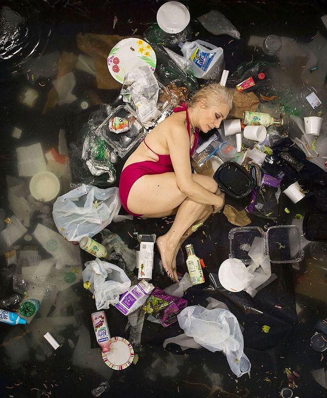 白人の中年女性が1週間で出したゴミの量・内訳