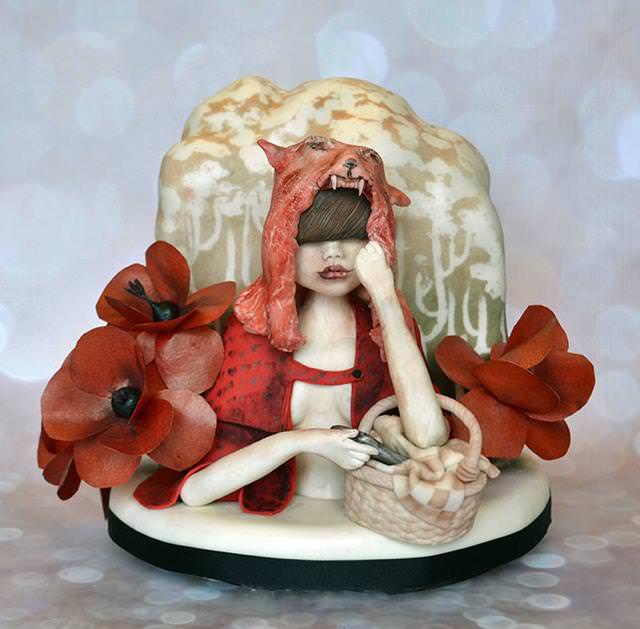 コンクールの優秀デザイン:怪しげなセクシー魔女のケーキ