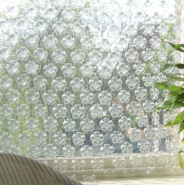 ペットボトル工作:半透明ですりガラスのようなカーテン