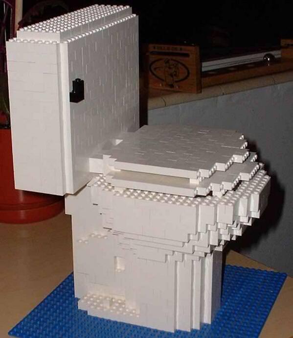 面白トイレ:レゴブロックで制作
