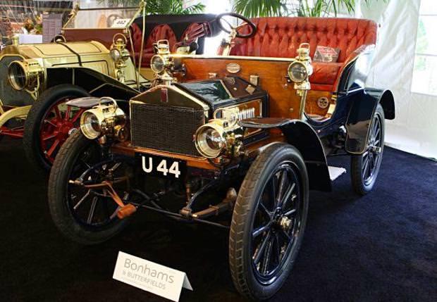 クラシックカー:ロールスロイス(1904 Rolls-Royce Two-Seater)