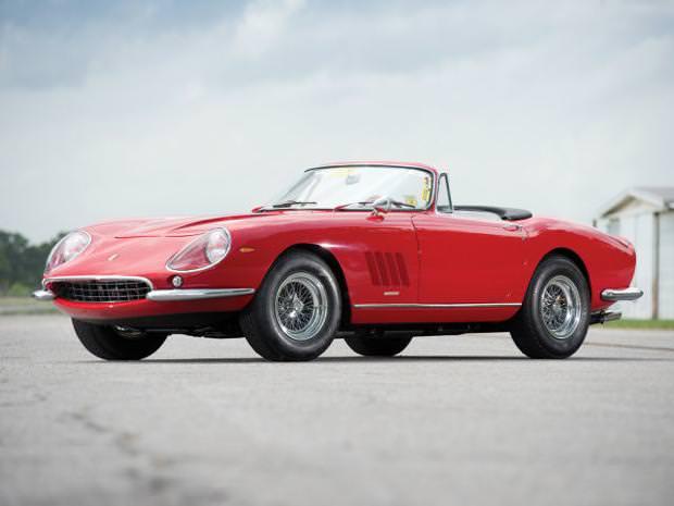 クラシックカー:フェラーリ(1967 Ferrari 275 GTB4 NART Spyder)