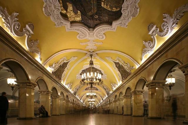 美しい地下鉄駅:Avtovo駅(ロシア-サンクトペテルブルク)