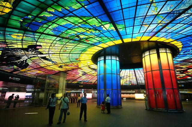 美しい地下鉄駅:美麗島駅(台湾)