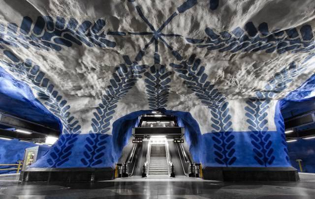 美しい地下鉄駅:T-Centralen駅(スウェーデン-ストックホルム)