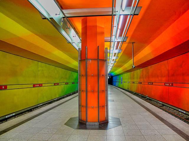 美しい地下鉄駅:U-bahn駅(ドイツ-ミュンヘン)