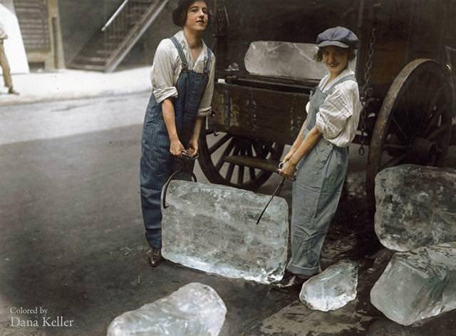 カラー化:大きな氷を運ぶ女性(1918年)