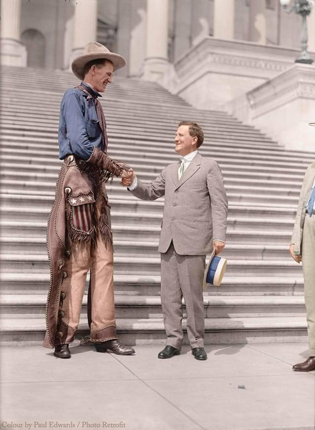 カラー化:ラルフ・E・マドセンと、上院議員モリスシェパード(1919年)