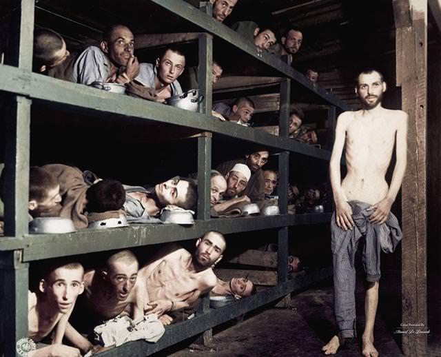 カラー化:ブーヘンヴァルト強制収容所の様子(1945年4月16日)