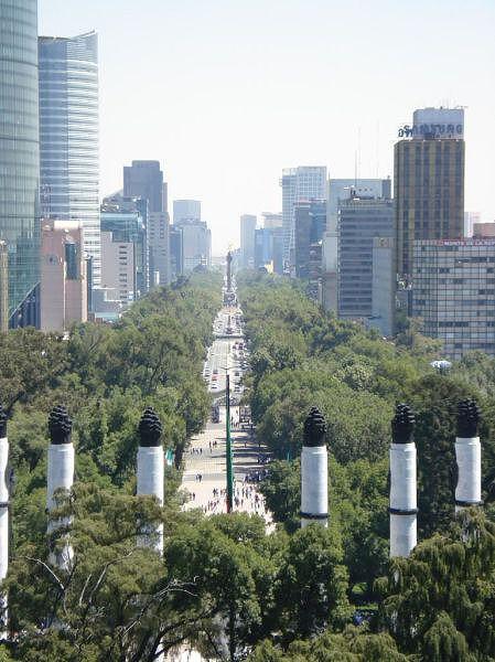 2006年のメキシコシティ・レフォルマアベニュー(メキシコ)(mexicoCity-2006)