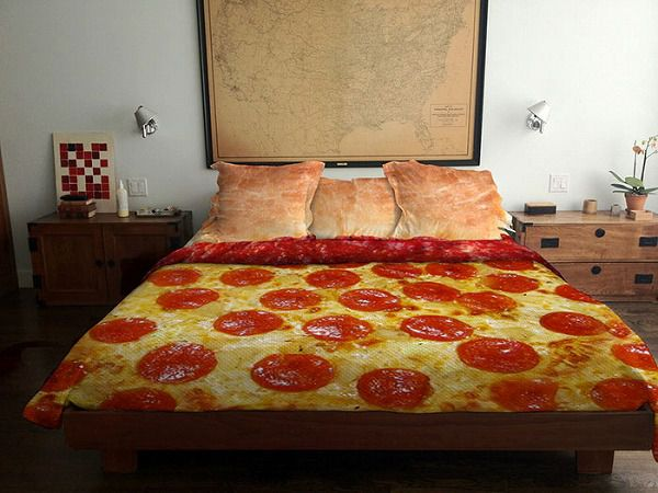 お洒落なデザインの枕カバー&ベッドカバー:ピザ柄
