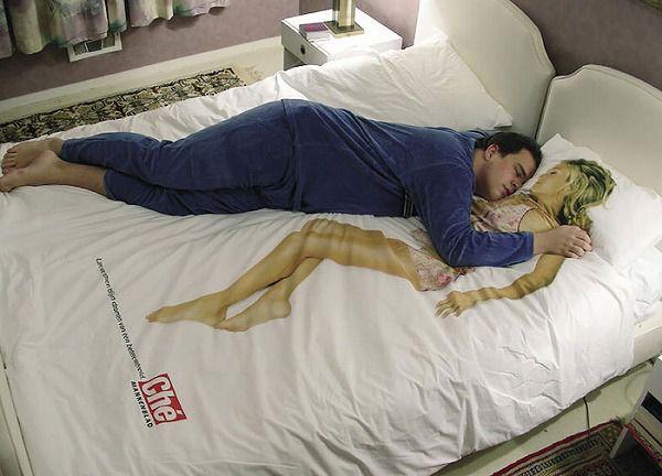 お洒落なデザインの枕カバー&ベッドカバー:カワイイ彼女