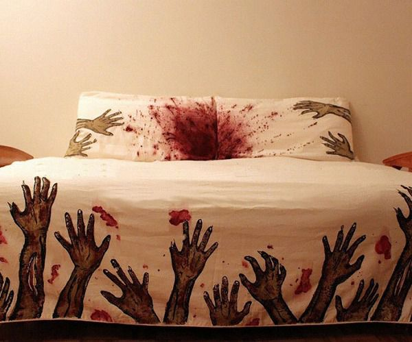 お洒落なデザインの枕カバー&ベッドカバー:流血と亡霊たち