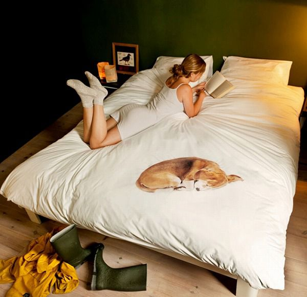 お洒落なデザインの枕カバー&ベッドカバー:愛犬