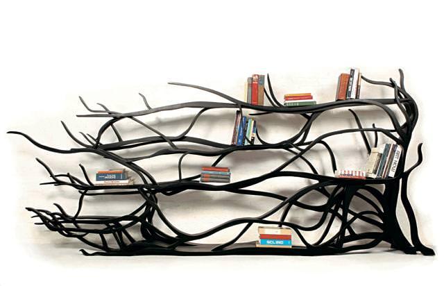 お洒落なデザインの本棚:樹の枝