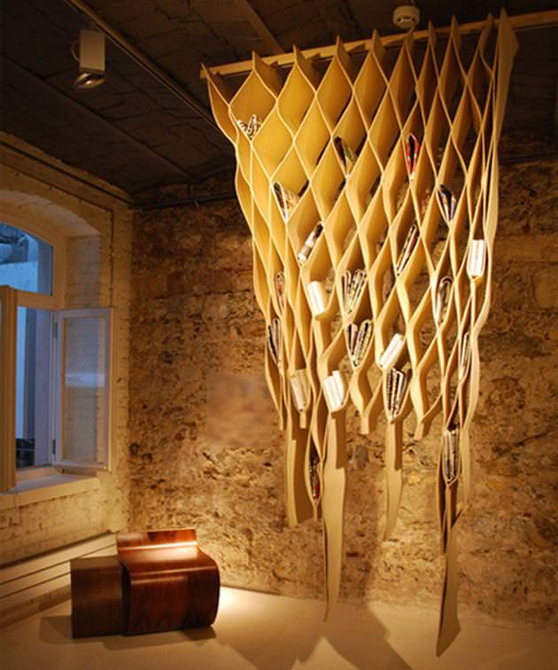 お洒落なデザインの本棚:ハチの巣
