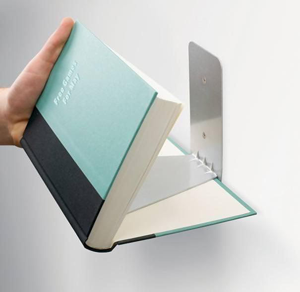 お洒落なデザインの本棚:見えない本棚