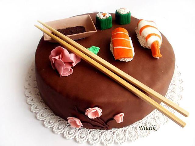 創作ケーキ:寿司
