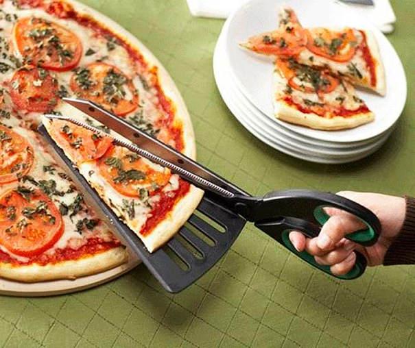 ピザを上手に切り分けれるハサミ