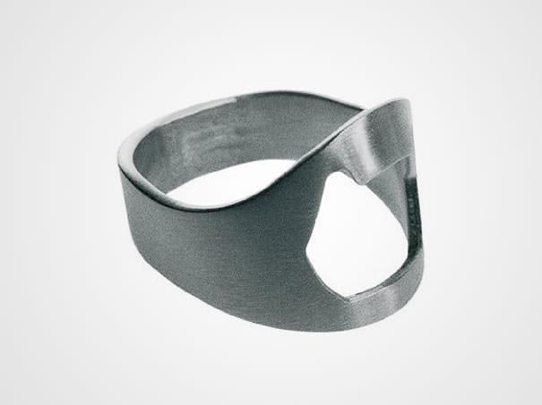 栓抜き機能つきの指輪