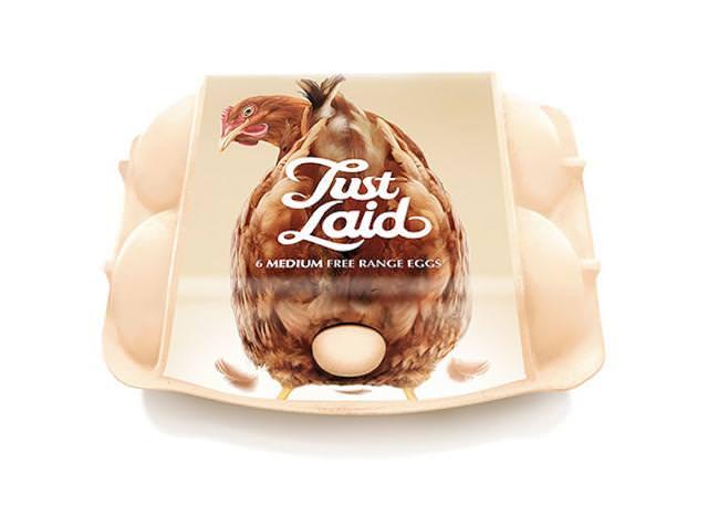ニワトリが卵を産んでいるパッケージデザイン