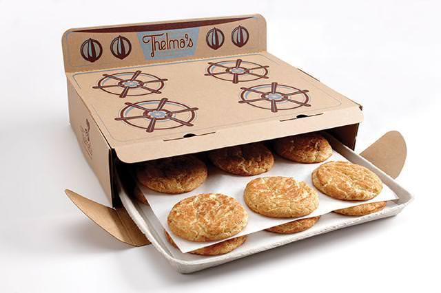 オーブンで焼きあがったばかりのクッキーのパッケージデザイン