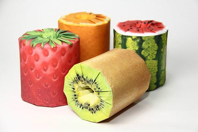 フルーツをかたどったトイレットペーパーのパッケージデザイン