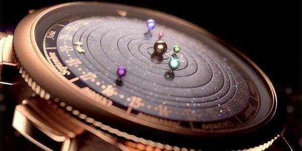 太陽系の動きをシュミレートする天文腕時計