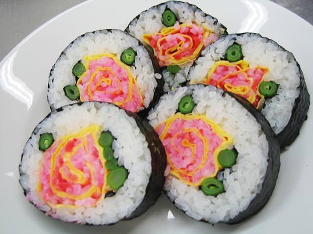 巻き寿司アート17:バラ