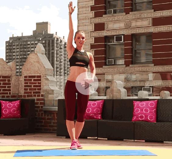 ダイエット運動メニュー1:肘と膝のクランチ