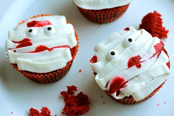 可愛いミイラのハロウィンケーキ