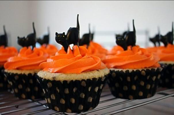 黒ネコのハロウィンケーキ
