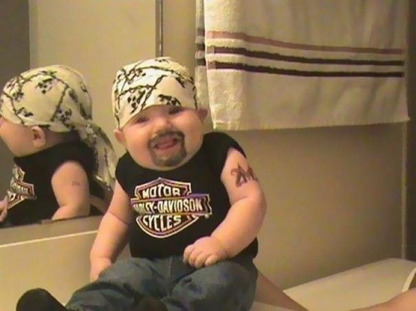 不良っぽい赤ちゃんの仮装