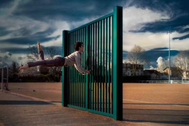 扉に向かってジャンプ!