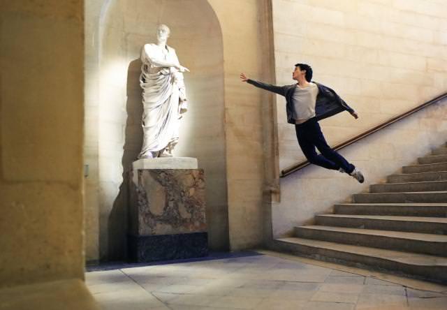 階段から大ジャンプ!