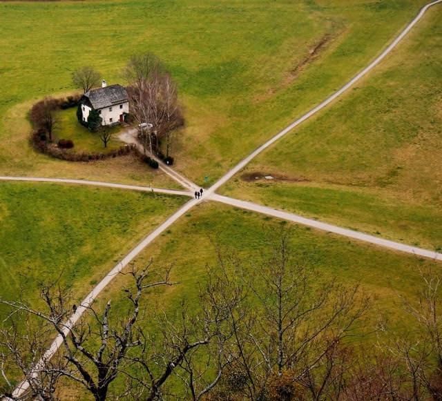 自然の中にポツンとたたずむ家(オーストラリア-Salzburg)