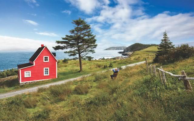 崖にポツンとたたずむ家(カナダ-ニューファンドランド・ラブラドール州)
