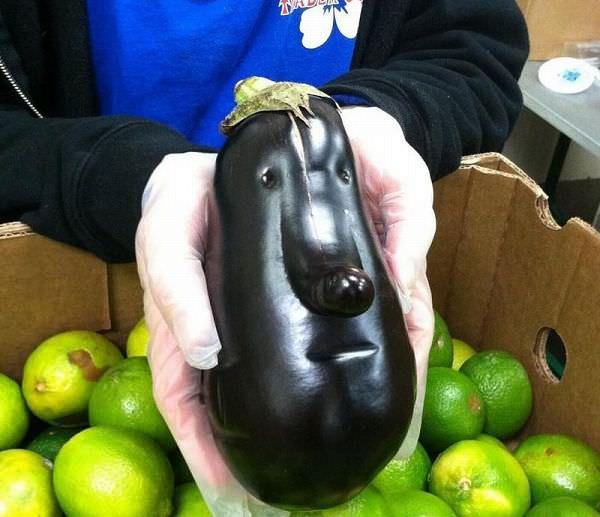 顔に見える野菜