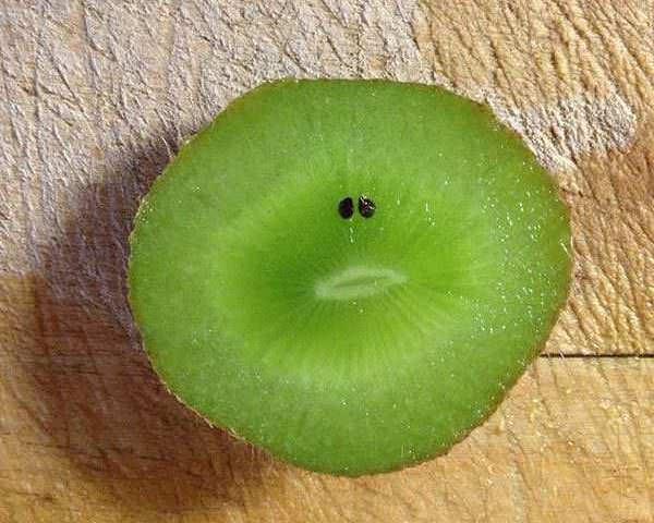 顔に見える果物