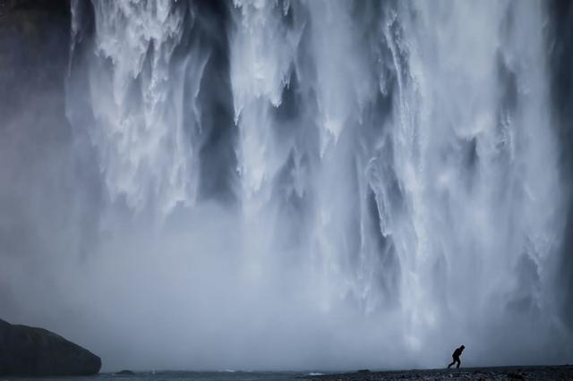 氷の滝(アイスランド)