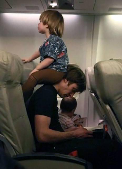育児のアイディア:忙しい時でも、ちょっとしたアイディアで子供の相手をしてあげれるイクメンパパ