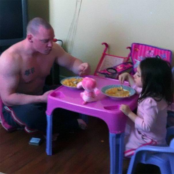 育児のアイディア:【おまけ】ムキムキマッチョの厳ついパパと、可愛い娘さん