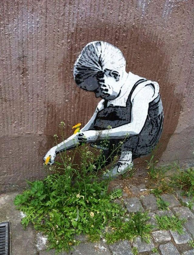 だまし絵(目の錯覚)ストリートアート:タンポポを摘む少女