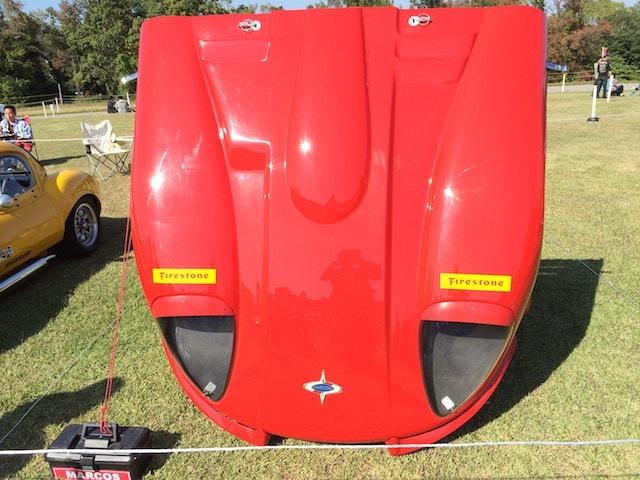 赤色のクラシックカー(スーパーカー)