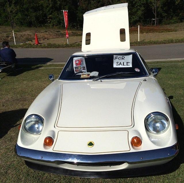 白のクラシックカー(販売中)