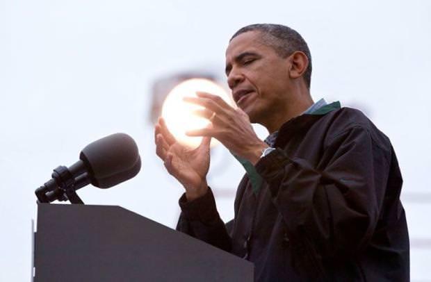 目の錯覚の面白写真:オバマ大統領が気功を練っている?!