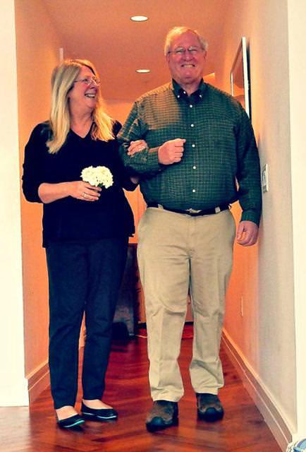 結婚28周年の老夫婦