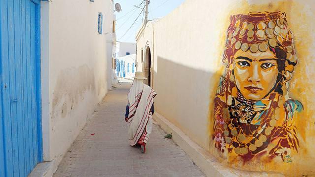 スペイン人の描いたストリートアート:アフリカの女性